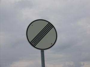 no-speed-limit-sign