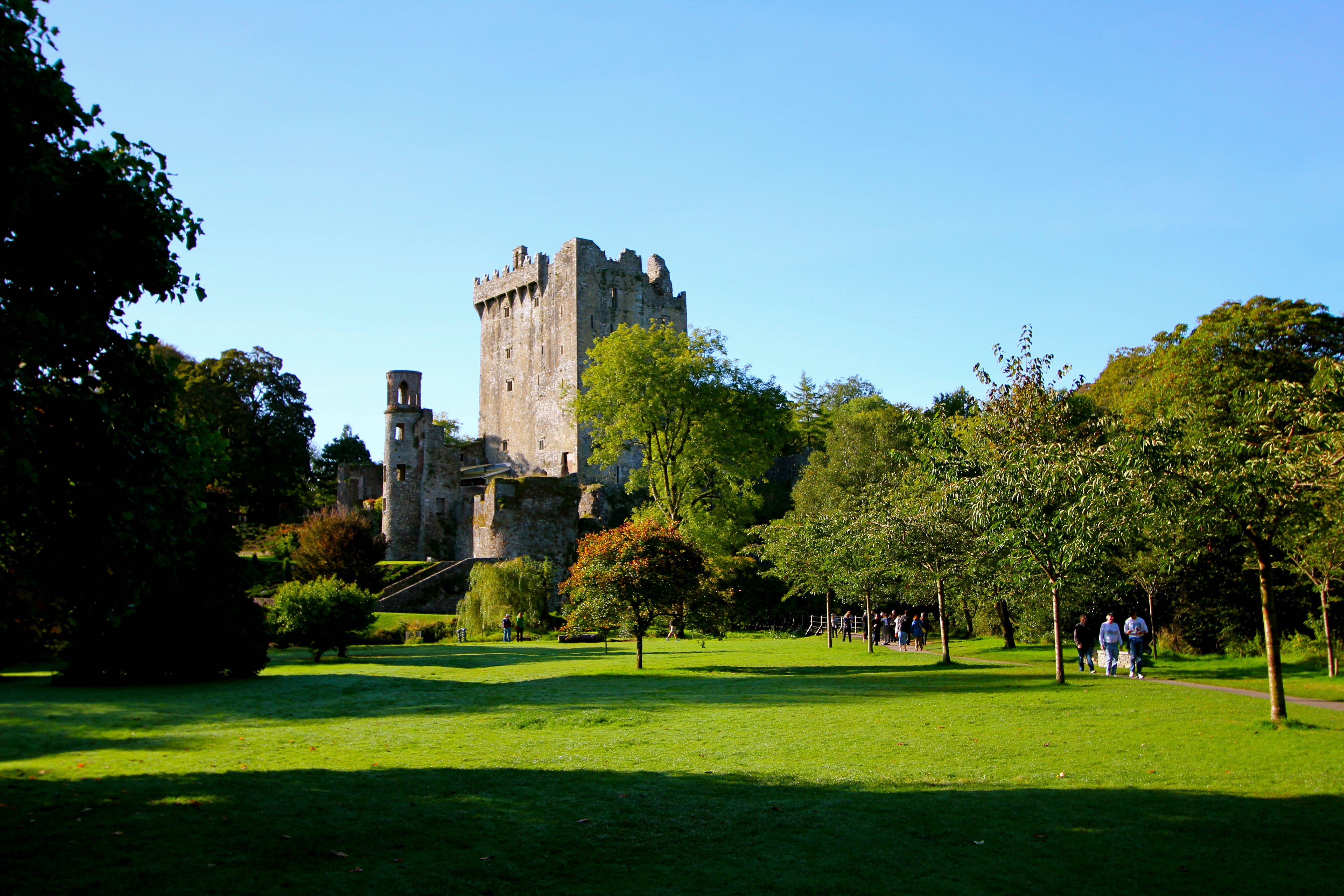 Picking the perfect day trip in ireland kissing the for The blarney