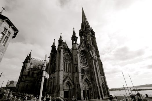 St. Colman's Cathedral is one of the tallest buildings in Ireland. This cathedral is a Roman Catholic church that started construction in 1868 and dedicated in 1919 (so young after seeing the churches in Germany!)