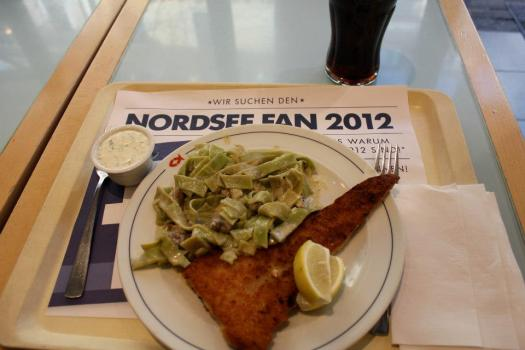 Nordsee offers up quick and tasty fish meals, whether a sandwich or just a fillet, both are delicious and served with fries, pasta or veggies.