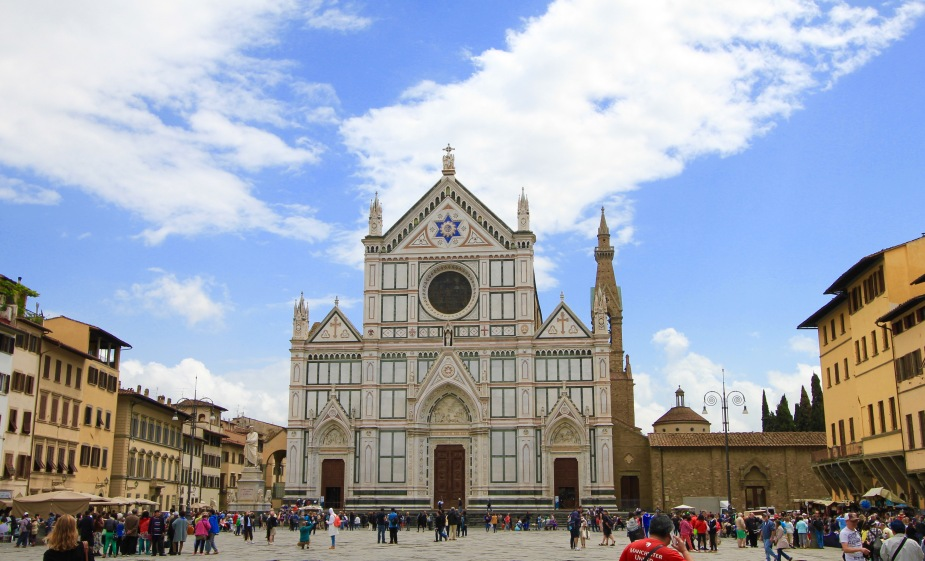 A smaller, but just as beautiful church is the Santa Croce Church (Church of the Holy Cross). This is the largest Franciscan church in the world. Franciscans are a branch of Catholics that follow the teachings of St. Francis, which preach about the poverty of mankind being the pathway to heaven versus owning worldly treasures.  But, what is really famous about this church....it is the burial place of the following greats: Michelangelo, Galileo, Machiavelli, and many others!