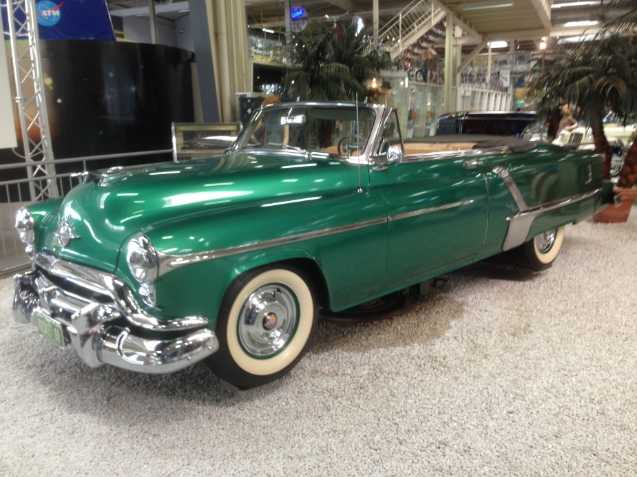 Other than the Model-T car from Ford, there was a collection of American cars showing the golden age of Americana from the 1950s....here an 1952 Oldsmobile 98